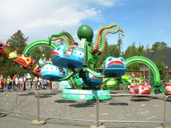 octopus ride at fairgrounds